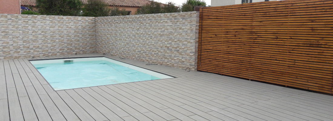 composite ocewood autour d'une piscine